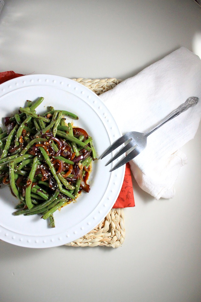 spicy asian green beans garlic red onion sesame seeds keys to the cucina 3