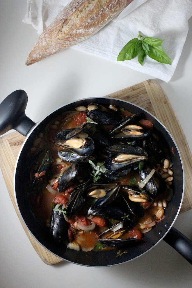 mussels cannellini beans tomato basil keys to the cucina 1