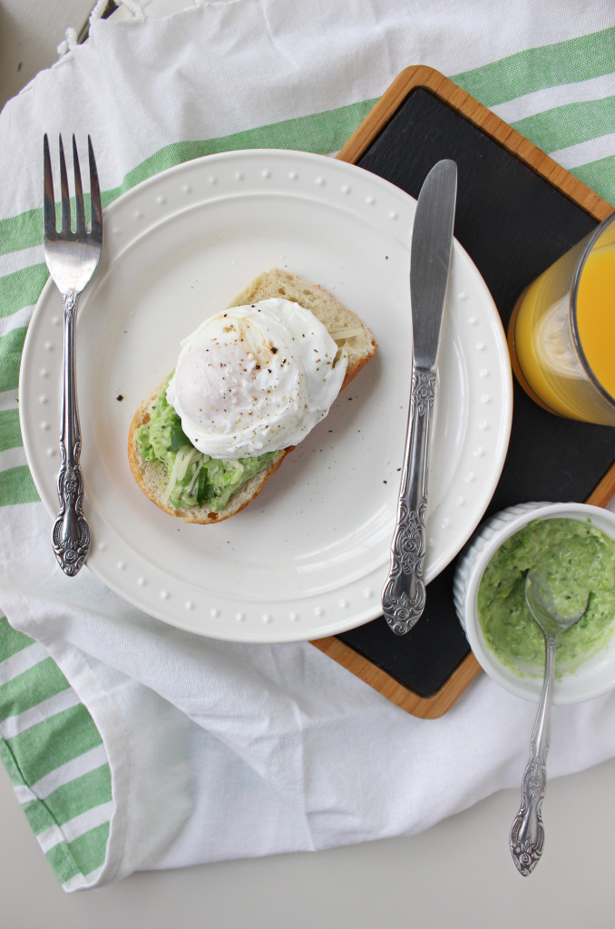 keys to the cucina green pea greek yogurt spread poached egg 2
