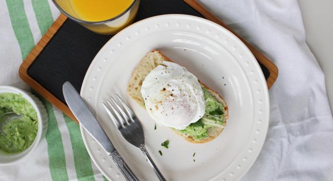 keys to the cucina green pea greek yogurt spread poached egg 3