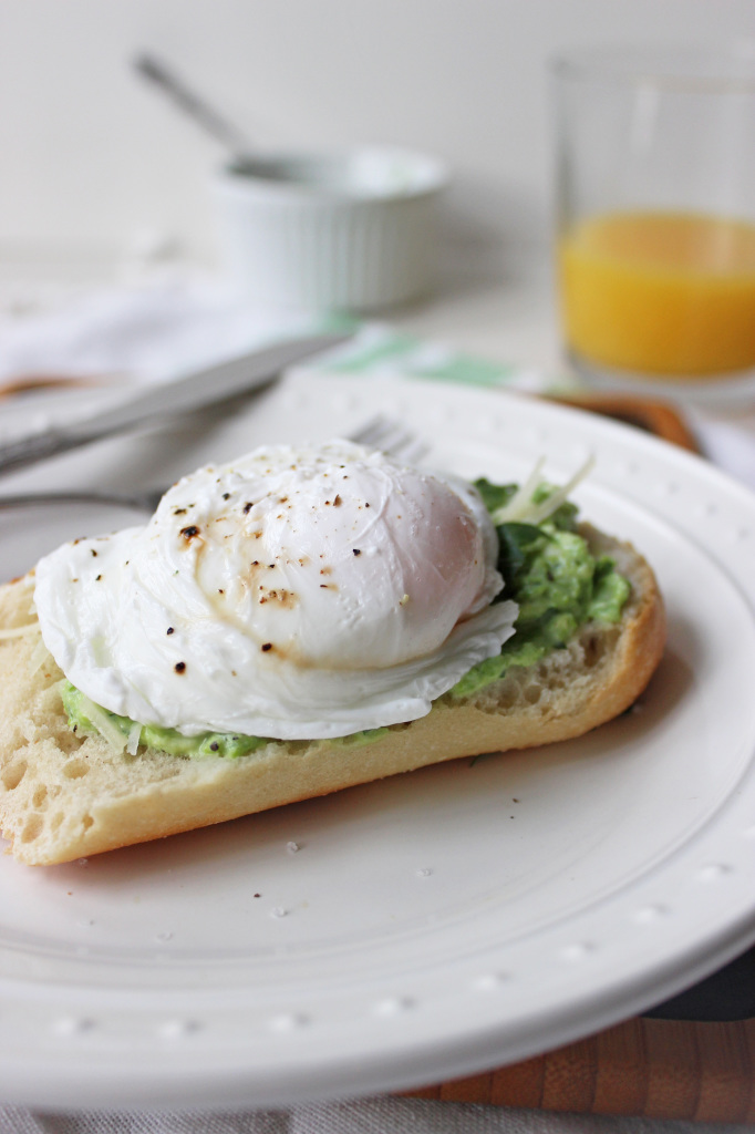 keys to the cucina green pea greek yogurt spread poached egg 4