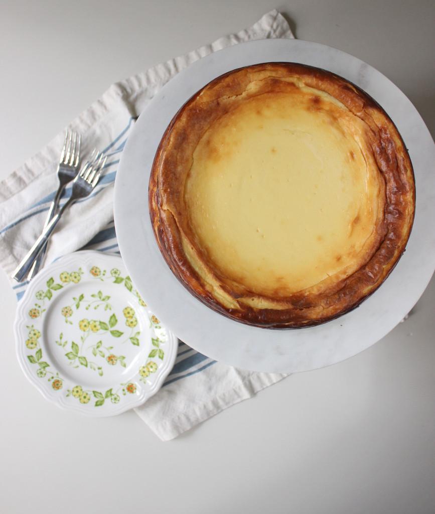 cheesecake oreo crust raspberry sauce www.keystothecucina 2