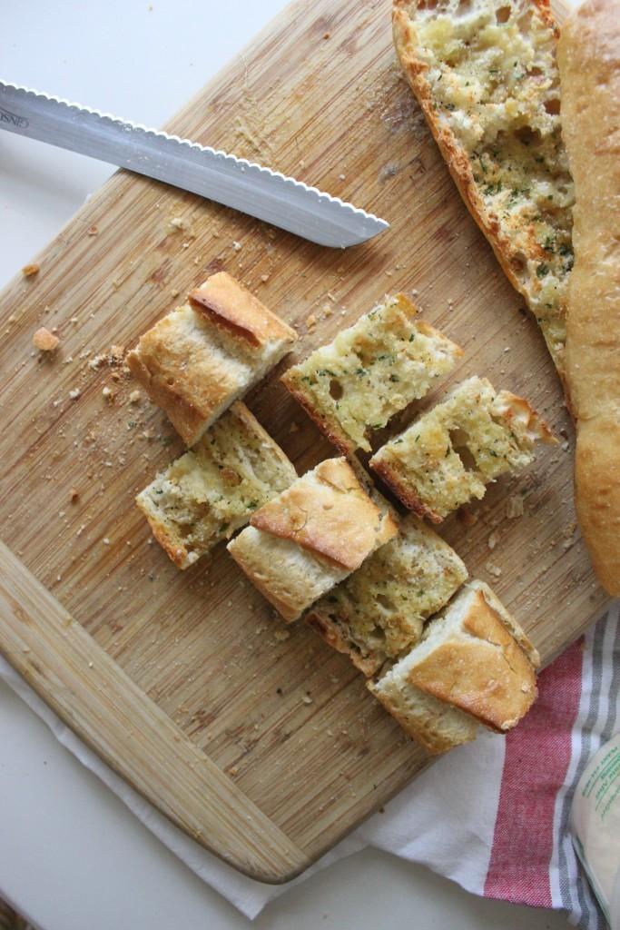 la-brea-bakery-roasted-garlic-parmesan-bread-www.keystothecucina.com-5-683x1024