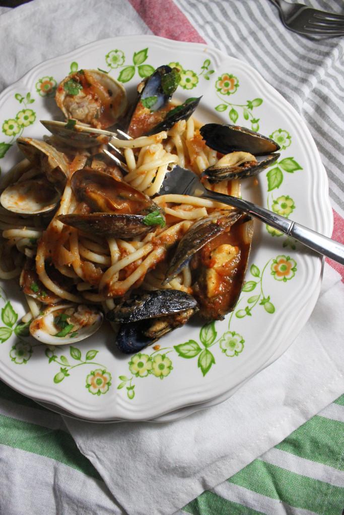 mussels clams red sauce bucatini keystothecucina.com 1