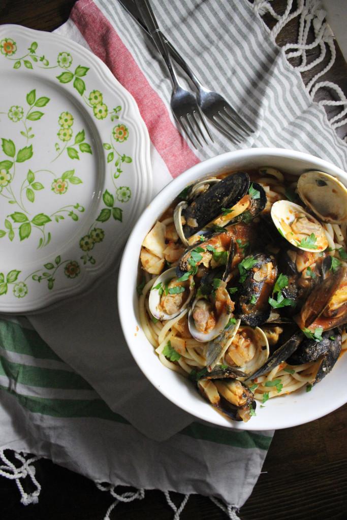 mussels clams red sauce bucatini keystothecucina.com 2