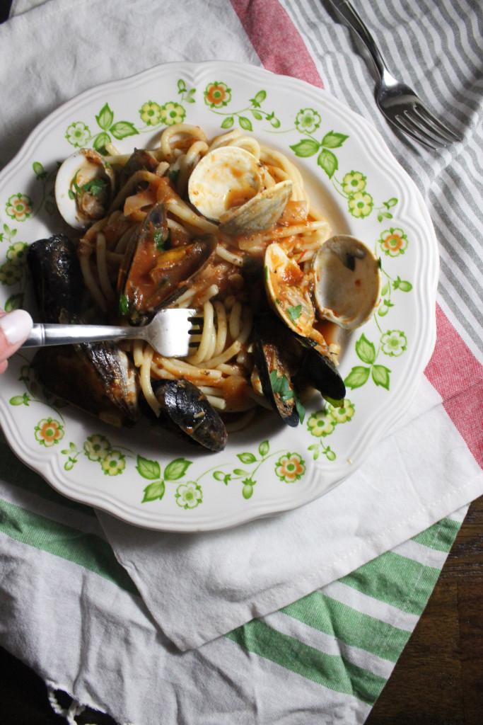 mussels clams red sauce bucatini keystothecucina.com 4