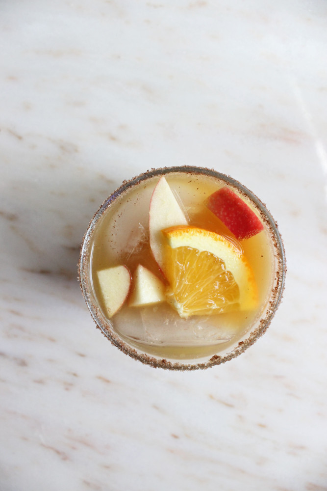 apple-cider-sangria-with-prosecco-keys-to-the-cucina-4