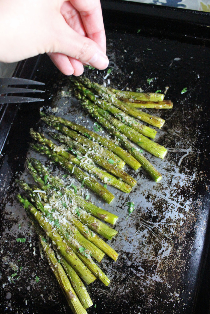 roasted-asparagus-parmesan-breadcrumbs-keys-to-the-cucina-1