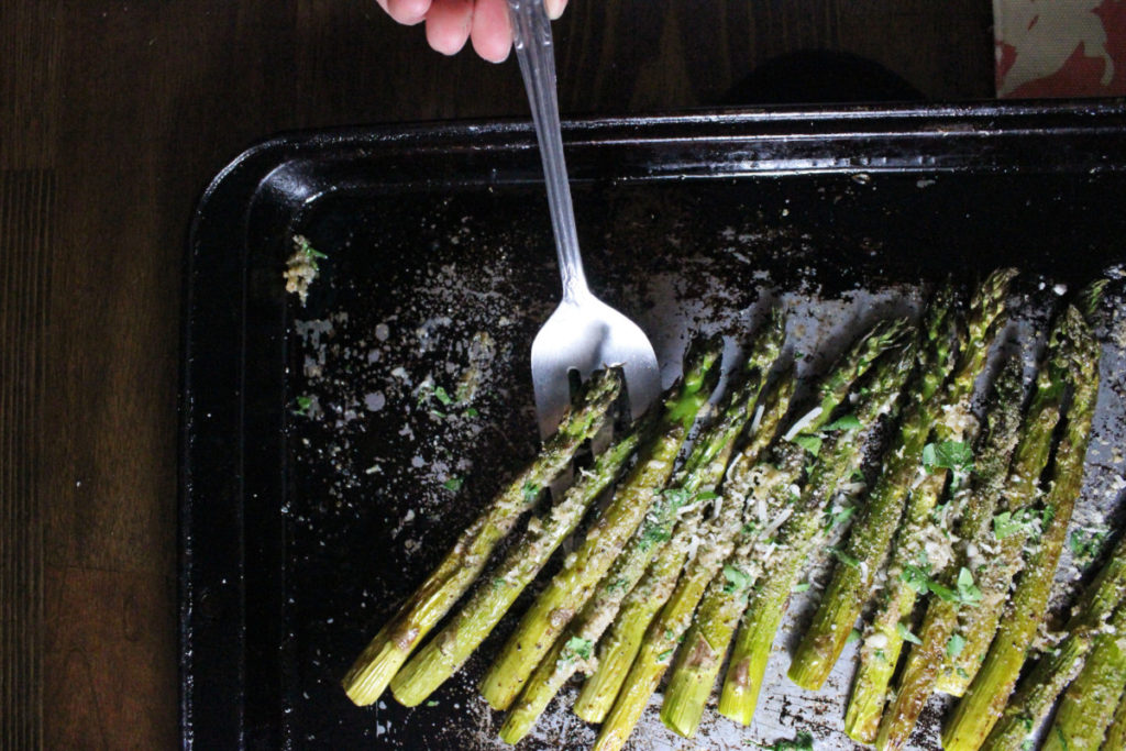 roasted-asparagus-parmesan-breadcrumbs-keys-to-the-cucina-4